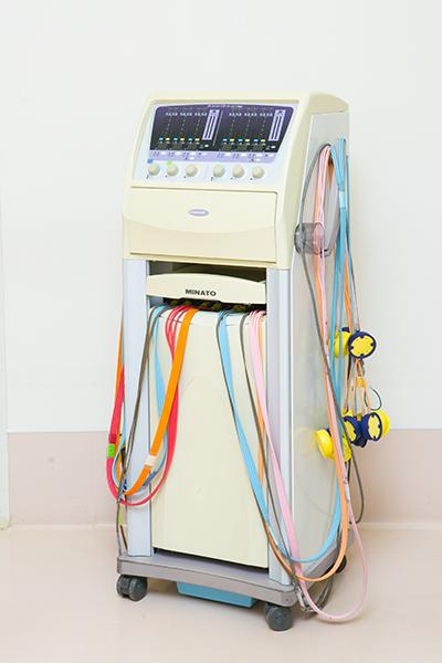 干渉低周中周波治療器